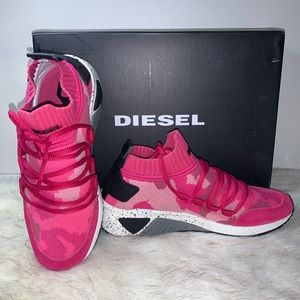 SALE‼️ NEW⭐️w/Box Diesel Pink Carnation Sneaker S…